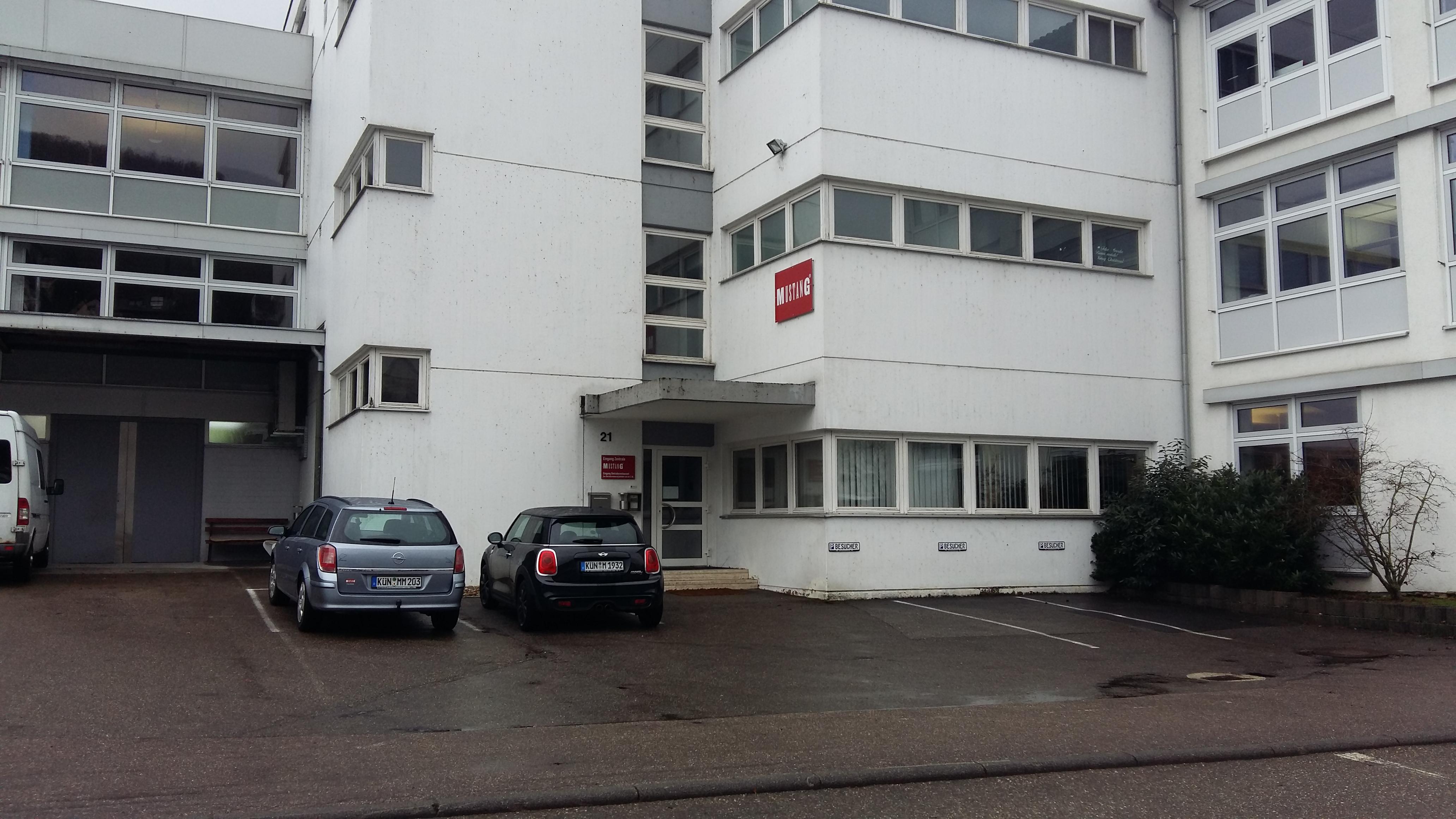 Eingang der MUSTANG-Mitarbeiter in der Lindenstraße. Steht hier bald ein Supermarkt?