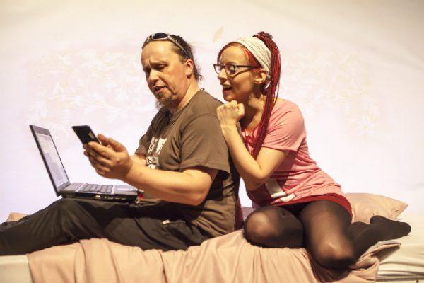 Theaterstück über das (Über-)Leben in der digitalen Gesellschaft – für Kinder ab zwölf Jahre